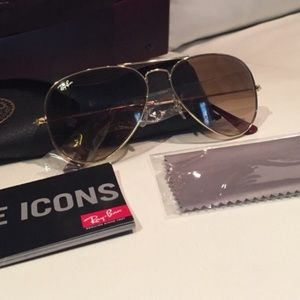 Ray-Ban Accessories - Authentic Ray-Ban Aviators Sunglasses - 58mm